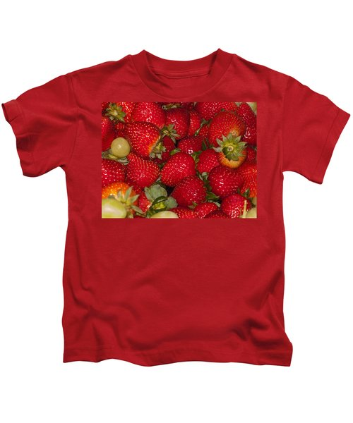 Strawberries 731 Kids T-Shirt