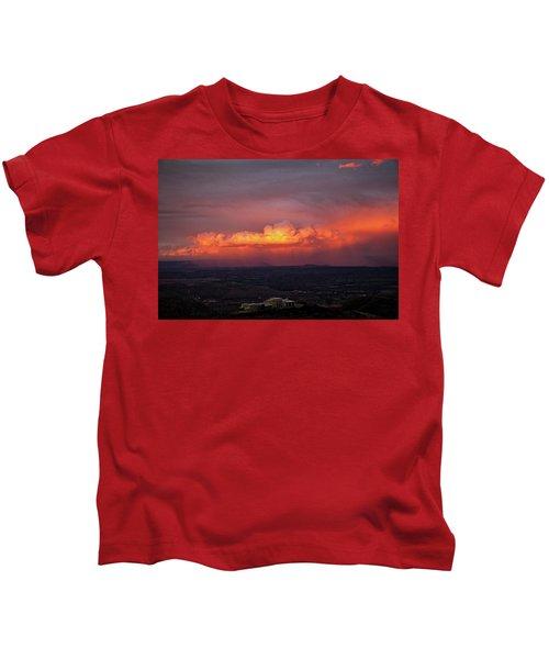 Vivid Verde Valley Sunset Kids T-Shirt