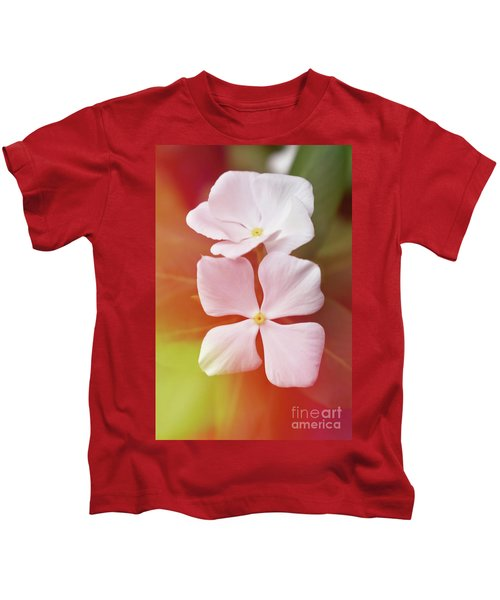 White Vinca With Vivid Highligts  Kids T-Shirt