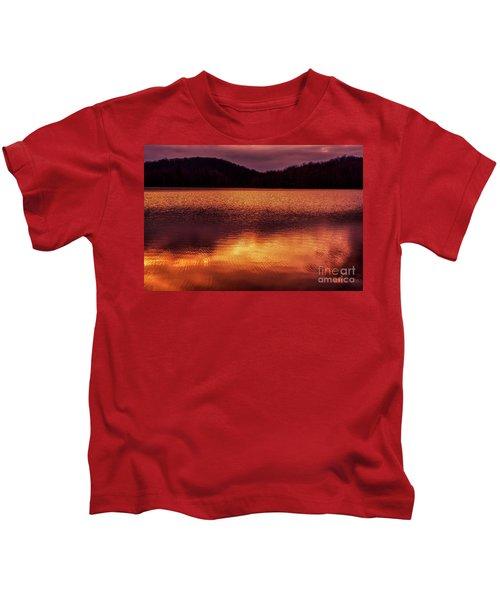 Winter Sunset Afterglow Reflection Kids T-Shirt