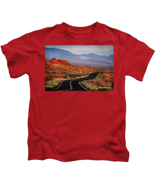 Winding Road In Valley Of Fire Kids T-Shirt