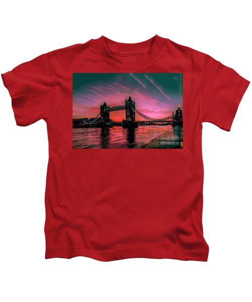 London Tower Bridge Sunrise Pano Kids T-Shirt