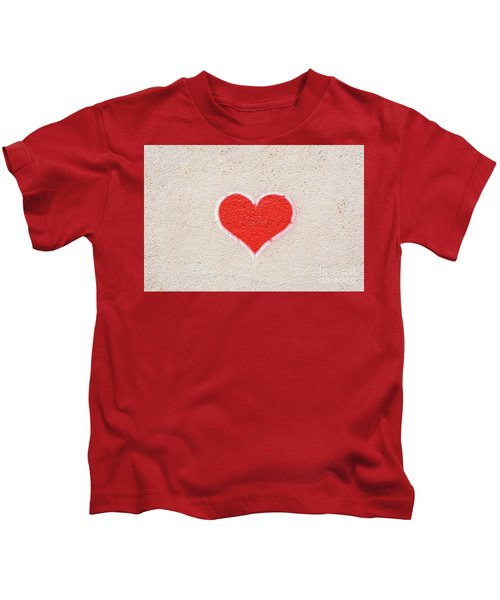 Red Heart Painted On A Wall, Message Of Love. Kids T-Shirt