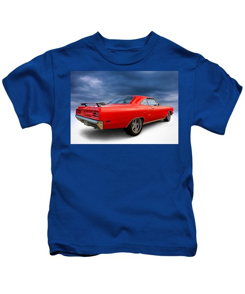 '70 Roadrunner Kids T-Shirt by Douglas Pittman