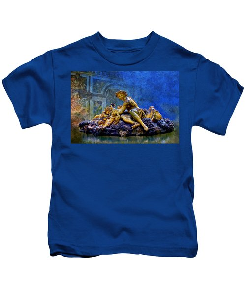 A Sculpture From Park Of Versailles Kids T-Shirt