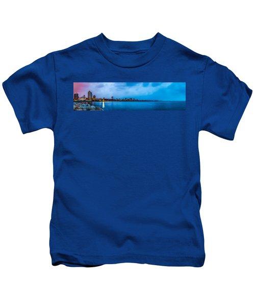 Milwaukee Skyline - Version 2 Kids T-Shirt