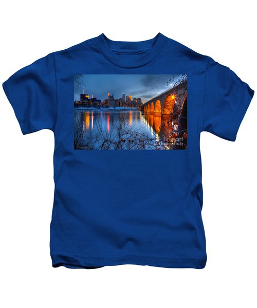 Minneapolis Skyline Images Stone Arch Bridge Spring Evening Kids T-Shirt
