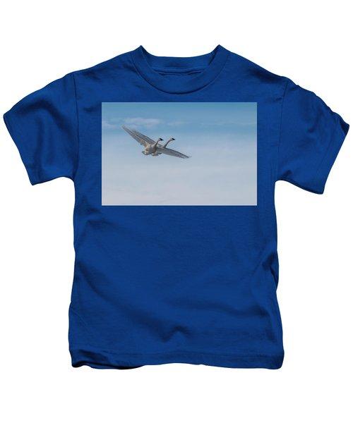 Trumpeter Swan Tandem Flight I Kids T-Shirt
