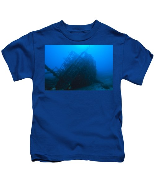 Shipwreck On Govenors River Walk Kids T-Shirt