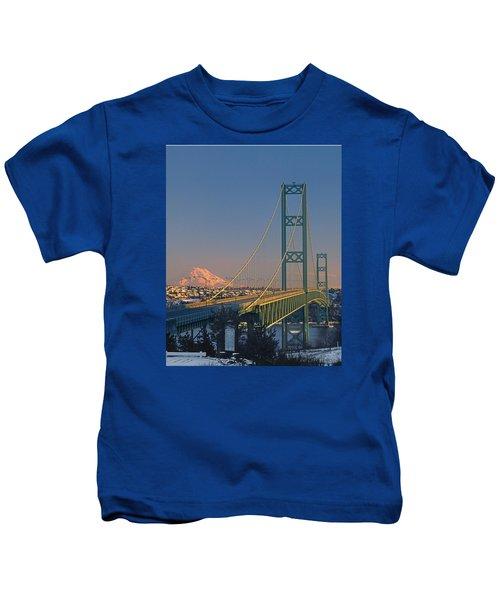 1a4y20-v-sunset On Rainier With The Tacoma Narrows Bridge Kids T-Shirt
