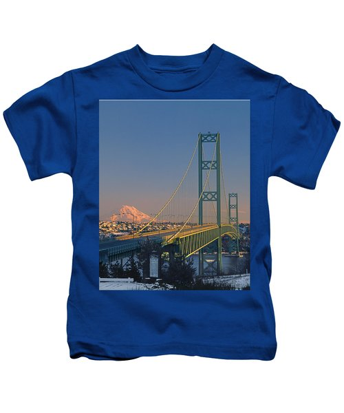 1a4y20-v-sunset On Rainier With The Tacoma Narrows Bridge Kids T-Shirt