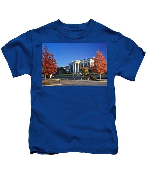 Hunter Museum In Autumn Kids T-Shirt