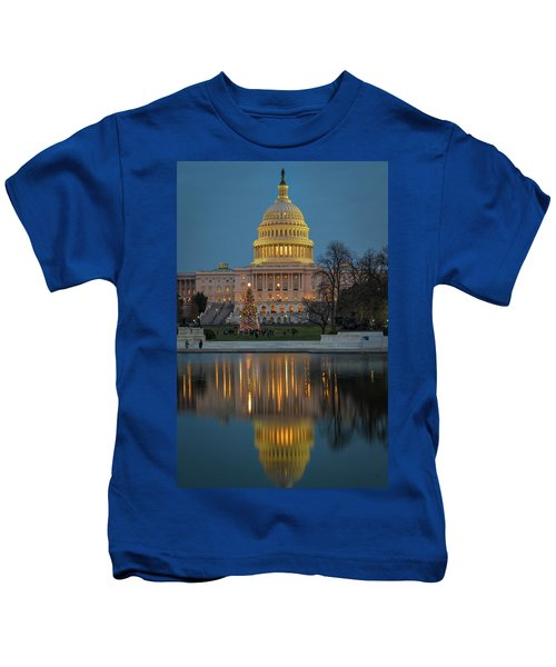 Capitol Reflection At Christmas Kids T-Shirt