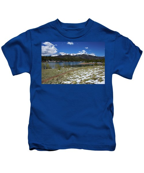 Fresh Snow Along The Banks Of Crystal Creek Reservoir With Pikes Kids T-Shirt