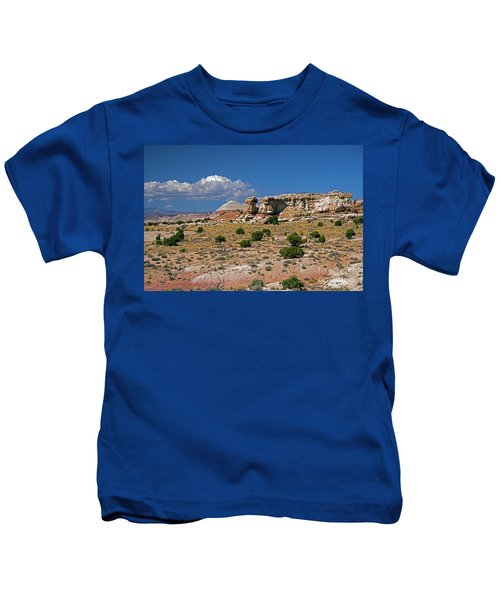 On The Road To Cathedral Valley  Kids T-Shirt