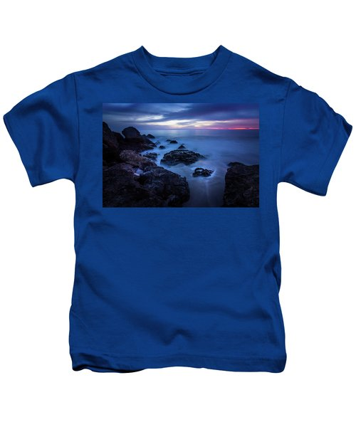 Point Dume Rock Formations Kids T-Shirt