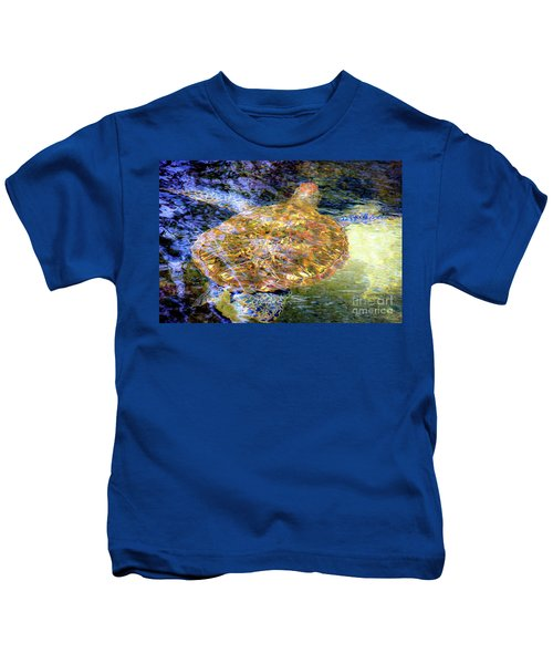 Sea Turtle In Hawaii Kids T-Shirt