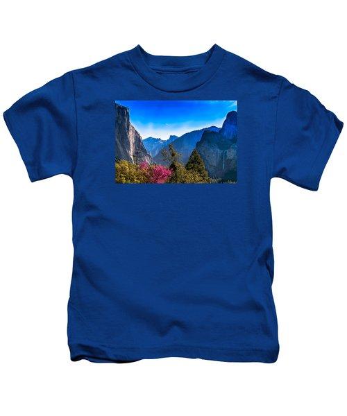 Yosemite Valley Kids T-Shirt