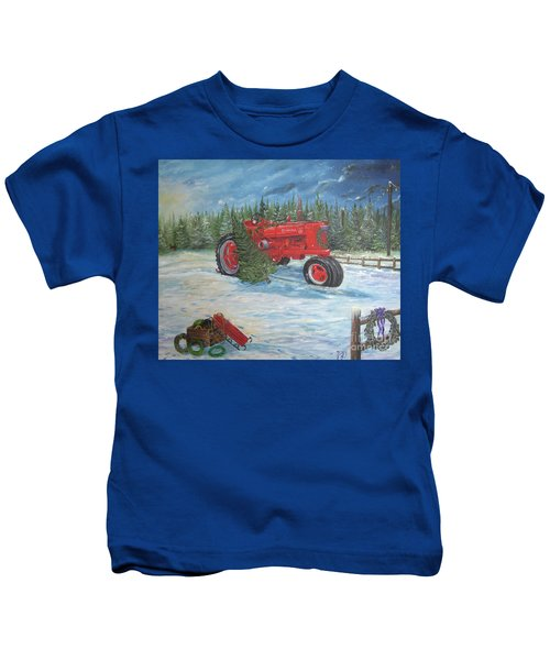 Antique Tractor At The Christmas Tree Farm Kids T-Shirt