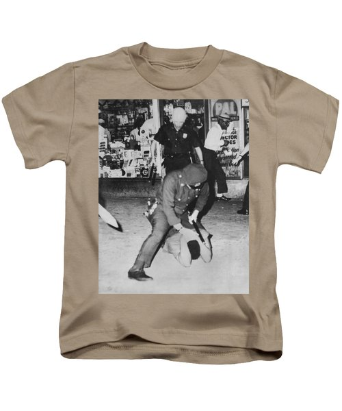 Harlem Race Riots Kids T-Shirt by Underwood Archives