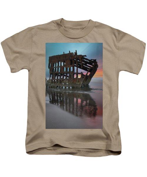 Peter Iredale Shipwreck At Sunrise Kids T-Shirt