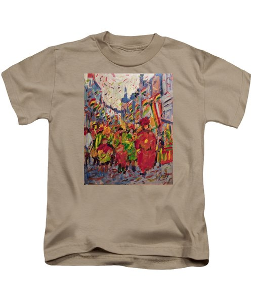 Red Yellow Green There They Come Vreug En Neugter Kids T-Shirt