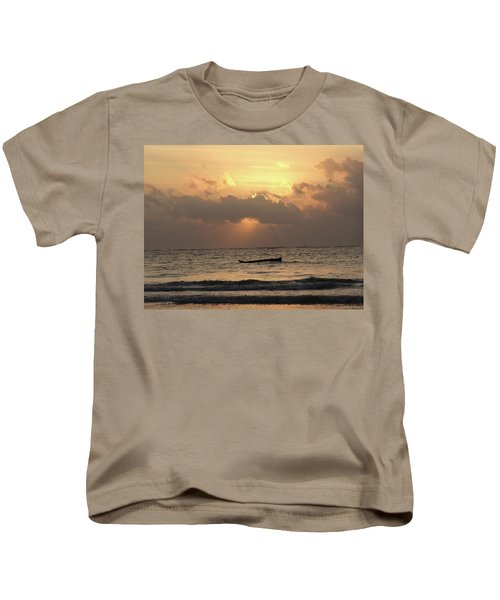 Sun Rays On The Water With Wooden Dhows Kids T-Shirt