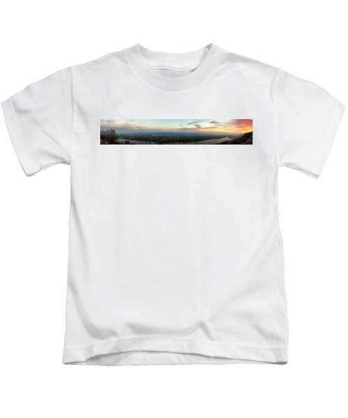 Winona Sunrise Panorama Kids T-Shirt
