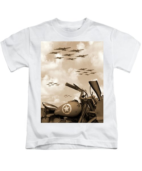 1942 Indian 841 - B-17 Flying Fortress' Kids T-Shirt