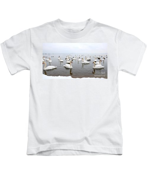 60 Swans A Swimming Kids T-Shirt
