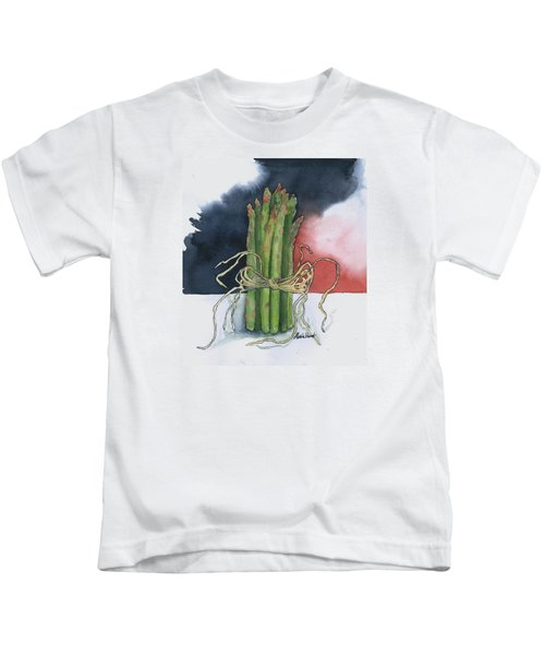 Asparagus In Raffia Kids T-Shirt by Maria Hunt
