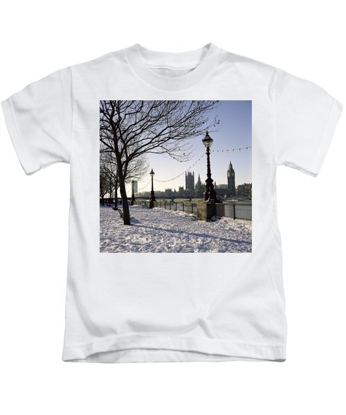 Big Ben Westminster Abbey And Houses Of Parliament In The Snow Kids T-Shirt