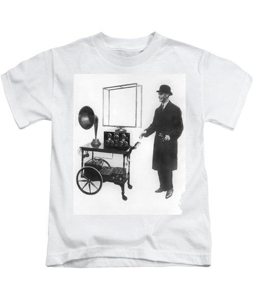 Duke & Duchess Portable Radio Kids T-Shirt