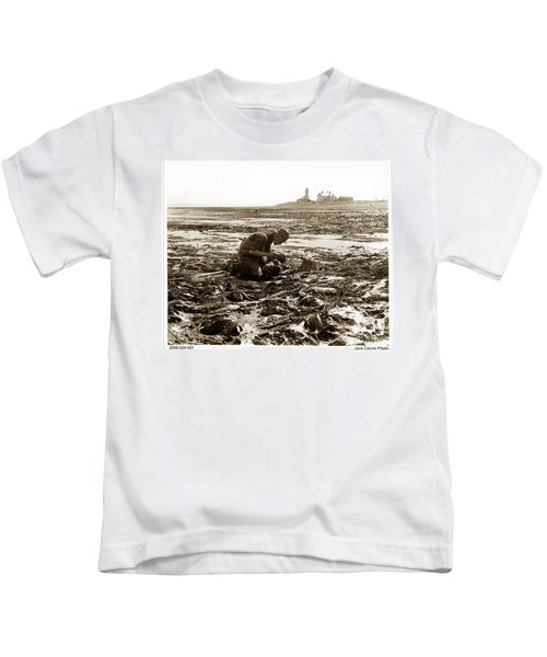 Ed Ricketts At Point Wilson Lighthouse In Port Townsend Wa July 1930 Kids T-Shirt