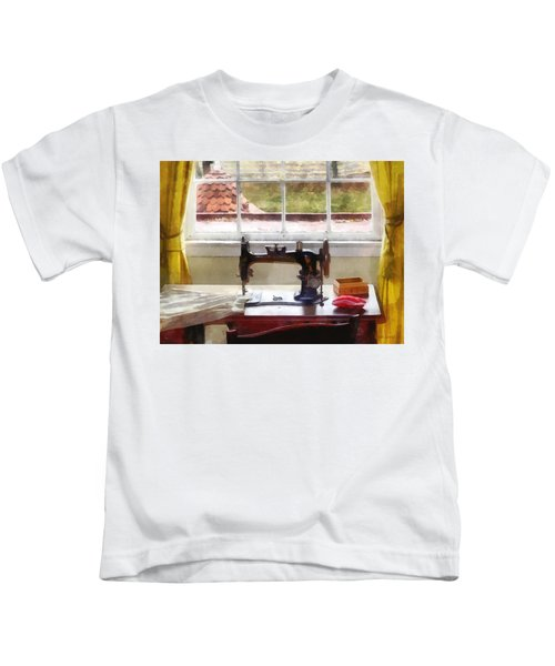Farm House With Sewing Machine Kids T-Shirt