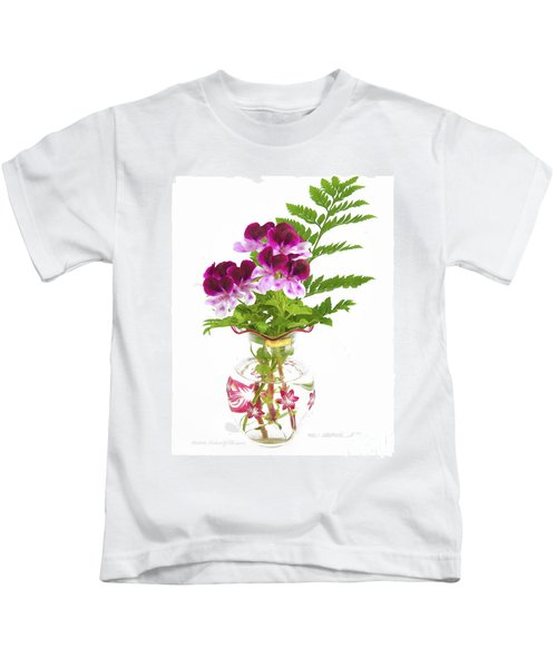 Geranium 'witchwood' Kids T-Shirt