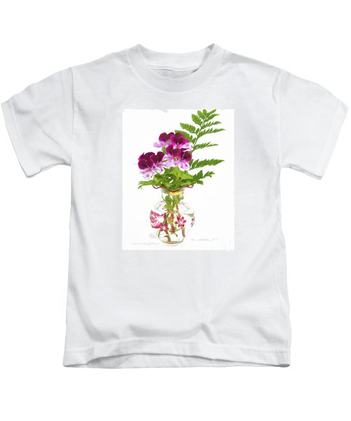 Geranium 'witchwood' Kids T-Shirt