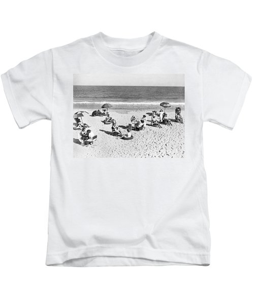 Hair Salon On The Beach Kids T-Shirt