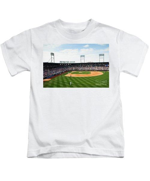 D24w-243 Huntington Park Photo Kids T-Shirt
