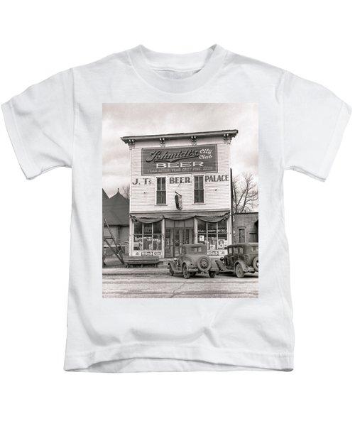 J. T. 's Beer Palace  1940 Kids T-Shirt