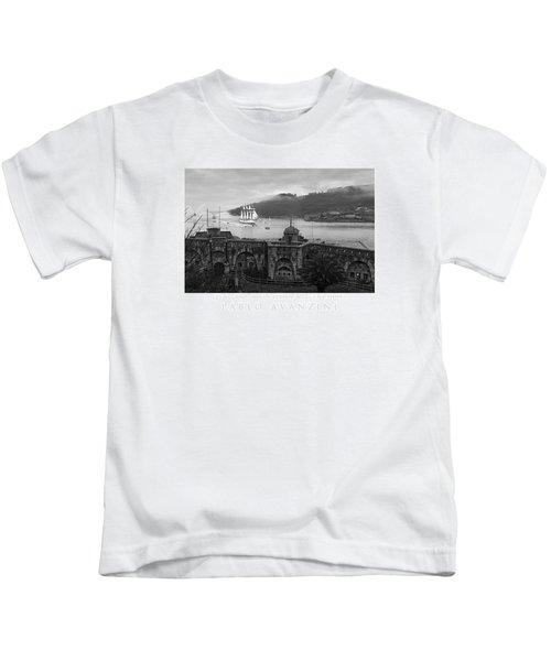 Juan Sebastian Elcano Arrival To The Port Of Ferrol Kids T-Shirt