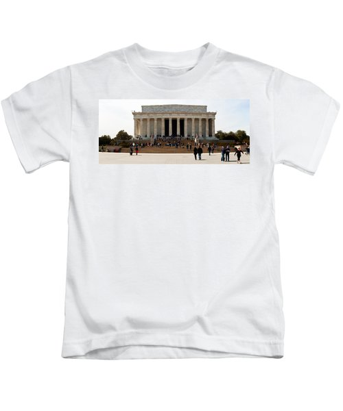 People At Lincoln Memorial, The Mall Kids T-Shirt by Panoramic Images