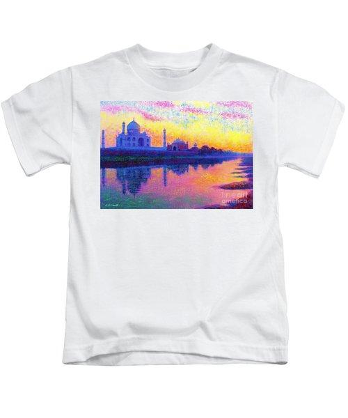 Taj Mahal, Reflections Of India Kids T-Shirt