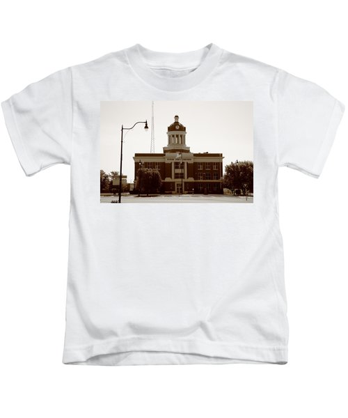 Route 66 - Beckham County Courthouse Kids T-Shirt