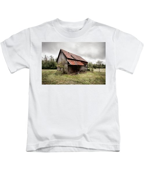 Rusty Tin Roof Barn Kids T-Shirt