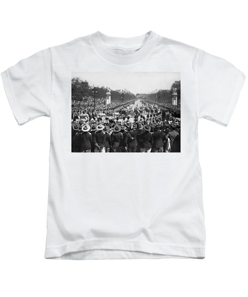 Silver Jubilee Procession Kids T-Shirt