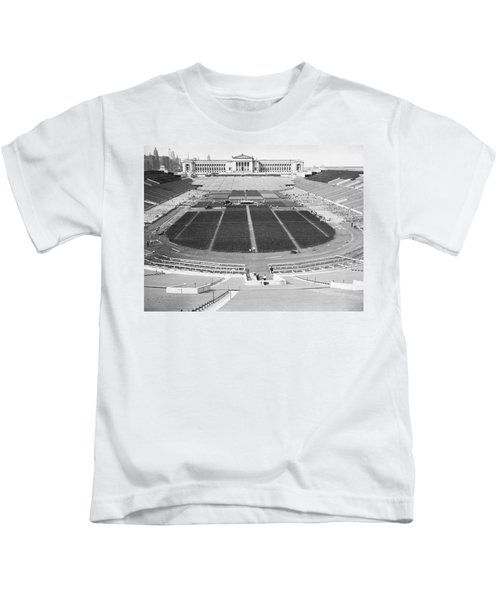 Soldier's Field Boxing Match Kids T-Shirt by Underwood Archives