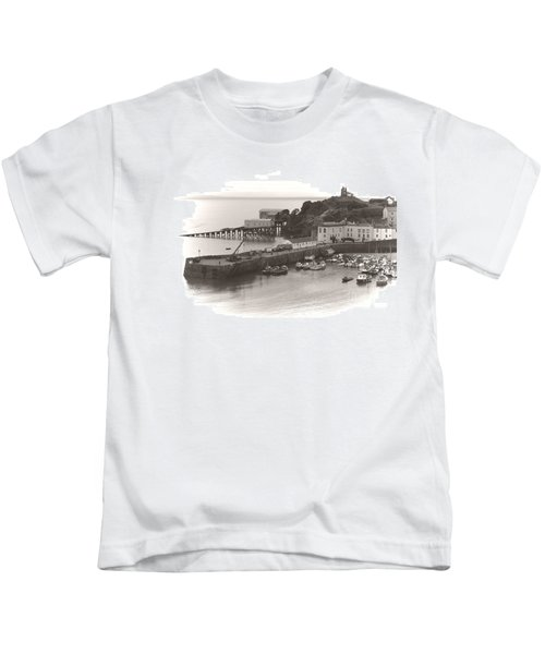 Tenby Harbour And Castle Hill Vignette Kids T-Shirt