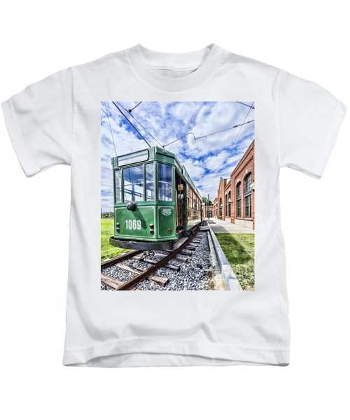 The Stib 1069 Streetcar At The National Capital Trolley Museum I Kids T-Shirt