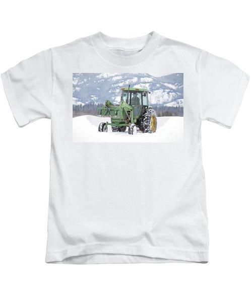 Winter Feeding Kids T-Shirt
